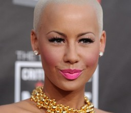 Emancipate your hair Amber Rose